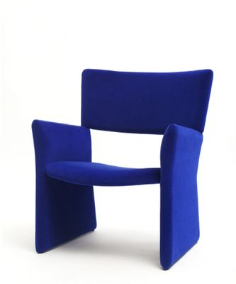 Crown_easy_chair_royal_blue_velvet